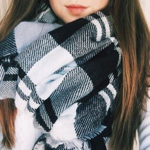 stripped oversized scarf with stitching